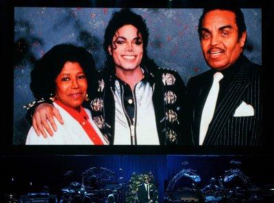 Joe Jackson denies abuse allegations