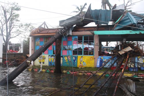U.N. calls for $301 million in aid for the Philippines