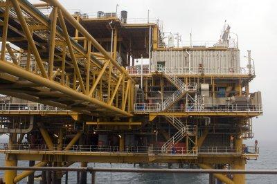 Scotland frets over oil, but posts economic gains