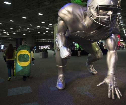 With players still hospitalized, Oregon suspends strength coach Irele Oderinde