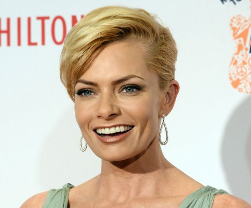 'Mom' actress Jaime Pressly welcomes twin boys