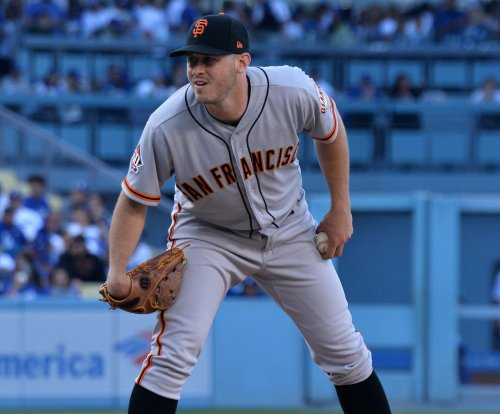 Giants hope to get offense going against D-backs