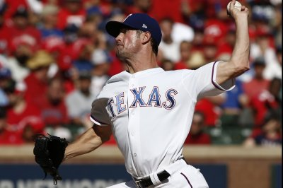 Struggling Rangers look to pick up pieces vs. Yankees