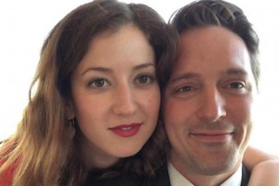 'SNL' star Beck Bennett, Jessy Hodges share wedding photos