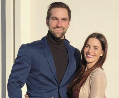 'Bachelor' alum Liz Sandoz expecting again after chemical pregnancy