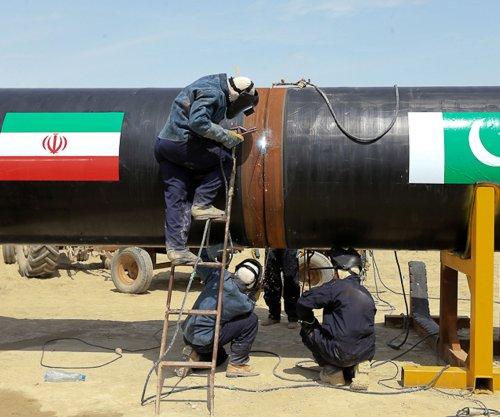 Pakistan looks for exit door with Iranian gas pipeline