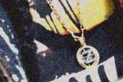 Gigi Hadid wears Zayn Malik-inspired necklace on Instagram