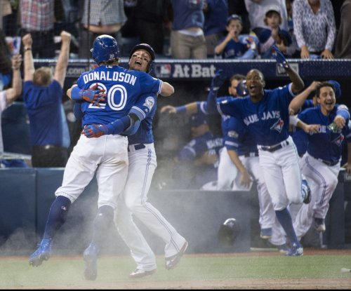 Walk-off error caps Toronto Blue Jays' sweep of Texas Rangers