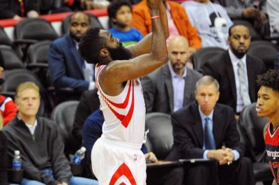 James Harden, Sam Dekker lead Houston Rockets past Memphis Grizzlies