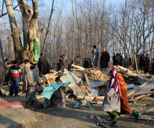 Four militants, 2 soldiers, civilian die in Kashmir gun battle