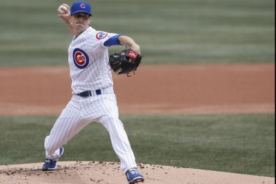Cubs go for sweep of Pirates