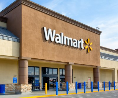 Walmart partners with online fashion reseller thredUP