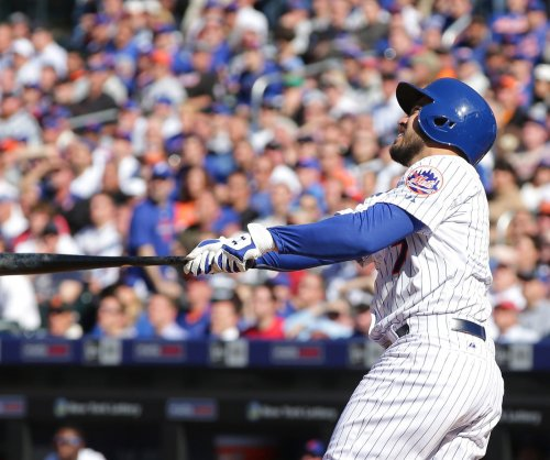 New York Mets blank Philadelphia Phillies in home opener