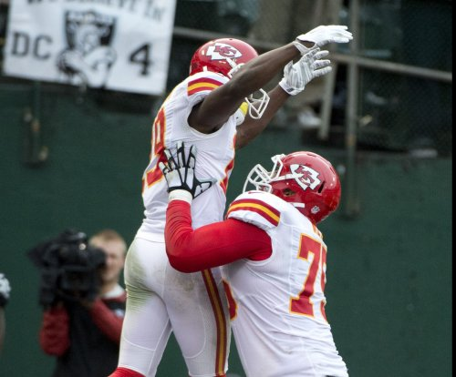 Kansas City Chiefs lose Jeremy Maclin to knee injury