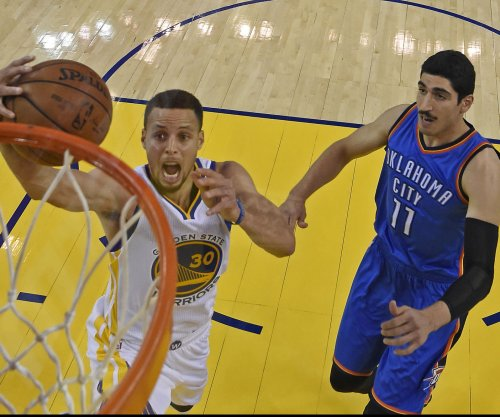 Behind Stephen Curry's surge, Golden State Warriors even West finals