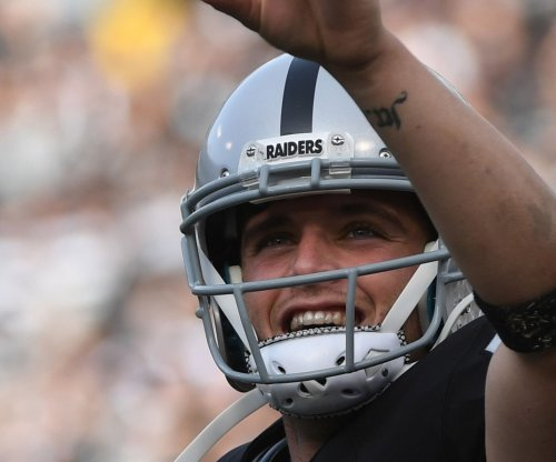Derek Carr, Khalil Mack continue to lead Oakland Raiders' rise