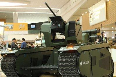 Milrem displays THeMIS modular unmanned ground vehicle