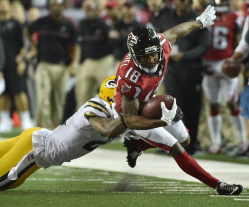 Atlanta Falcons sign Taylor Gabriel to one-year pact