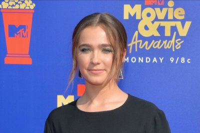 Haley Lu Richardson: 'Unpregnant' is '15 different movies in one'