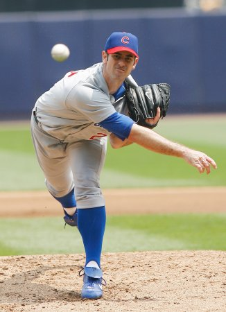 Padres ink pitcher Mark Prior