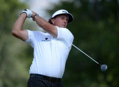 Mickelson, Horschel share U.S. Open lead
