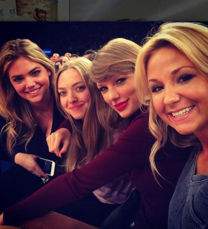 Amanda Seyfried attends first ever Knicks game with Taylor Swift, vows to never return