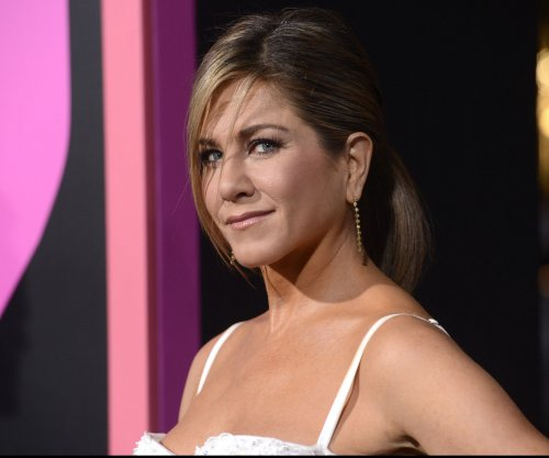 Jennifer Aniston, Angelina Jolie, Amy Adams, Clint Eastwood, 'Selma' snubbed by Oscar