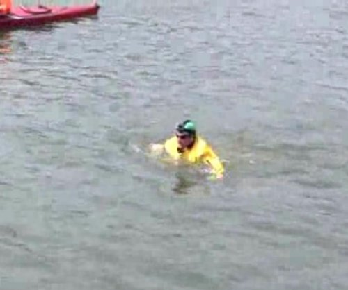Activist swims New York's most polluted canal