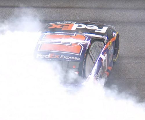 Denny Hamlin wins NASCAR sprint race at Daytona