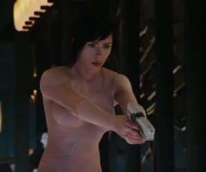 Scarlett Johansson leaps into action in new 'Ghost in the Shell' preview