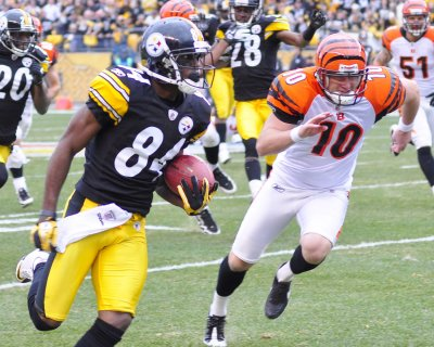 Steelers ink receiver Brown to extension