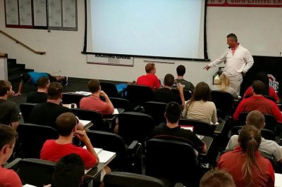 Ohio State's Urban Meyer punishes students with pushups for wearing blue