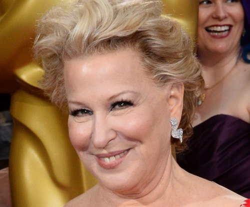 Bette Midler's 'Kim Kardashian' chicken dead of yeast infection