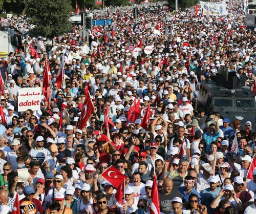 Turkish citizens march against Erdogan's government