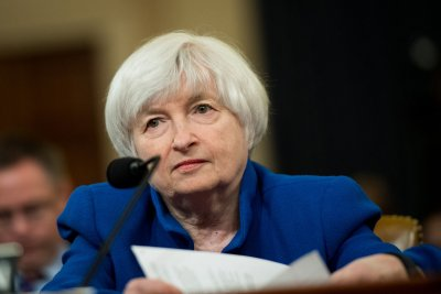 In possible last speech to Congress, Yellen says expect interest rate increases