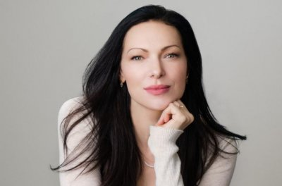 Actress, author Laura Prepon wants moms to feel heard, less alone