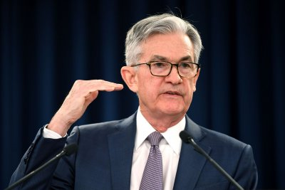 Fed chief: U.S. economic recovery from pandemic may take at least a year