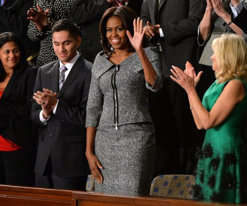'Michelle Obama's dons SOTU suit also worn by 'The Good Wife's Alicia Florrick
