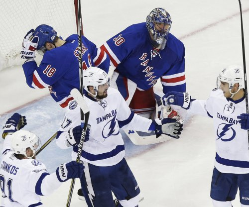 Tampa Bay Lighting edge New York Rangers in Game 5