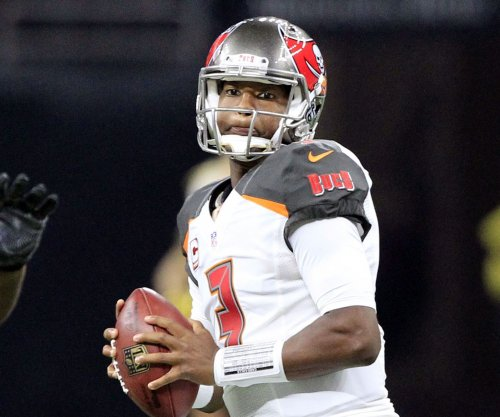 Tampa Bay Buccaneers: Jameis Winston continues learning curve