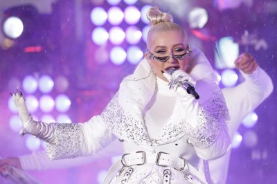 Human Rights Campaign to honor Christina Aguilera at annual gala