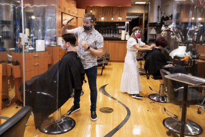 No COVID infections at hair salon shows masks work, study says