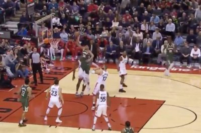 Giannis Antetokounmpo caps smooth drive with nasty dunk