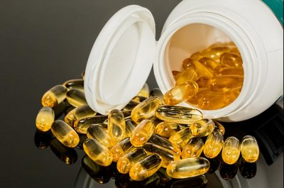 Prescription-strength fish oil slows clogging in arteries, study shows