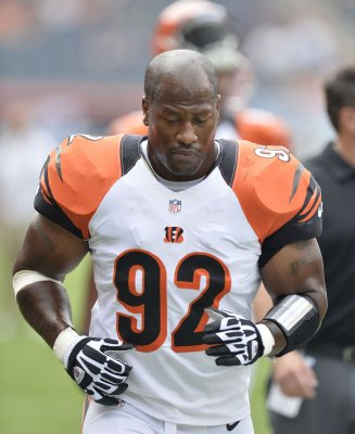 James Harrison returns to Pittsburg Steelers after 3-week retirement