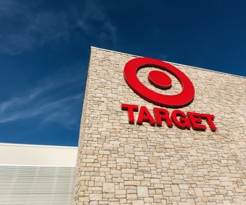 Target earnings drop, sales for rest of 2016 expected to fall