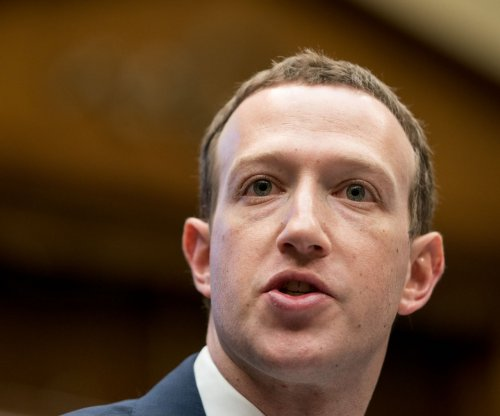 Zuckerberg tops Buffett on Bloomberg world's richest list