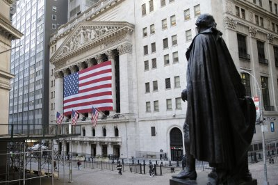 Dow falls 167 points following disappointing retail report