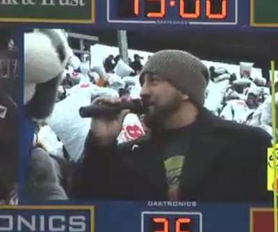 Joey Fatone helps break pillow fighting record