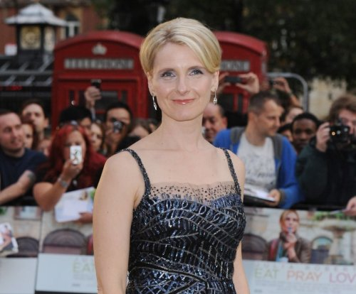 Elizabeth Gilbert announces romance with best friend: 'I love her and she loves me'